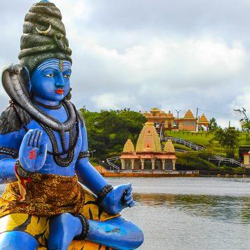Mauritius-HinduTempleArea-GangaTalao-Clara Travels