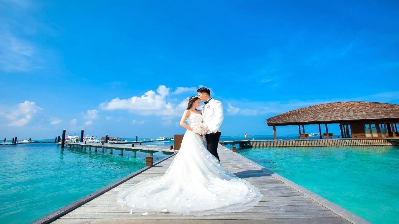 Hideaway wedding