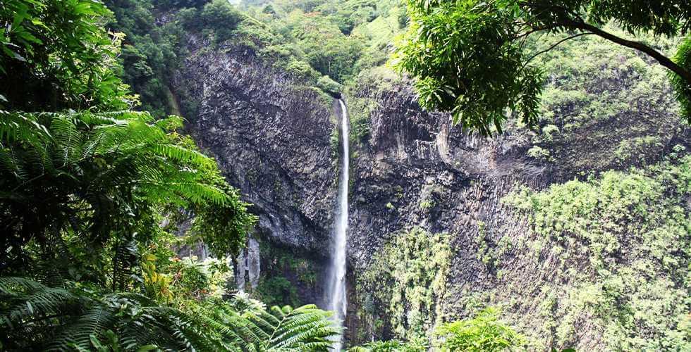 Tahiti-Fautaua Waterfall